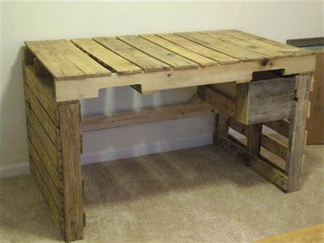 Palette Desk by Diy Pallet Desk With Drawers 99 Pallets