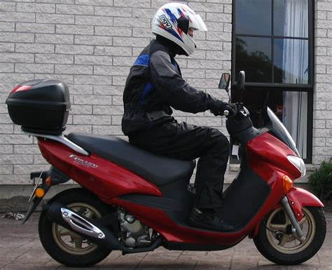 Suzuki An 125 Scooter File Suzuki Sj125 Scooter Jpg Wikimedia Commons