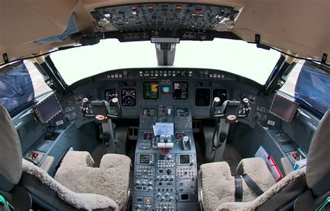 Aviation and Helicopter Aircraft Cockpit Pictures Photos ... B 17 Flying Fortress Wallpaper
