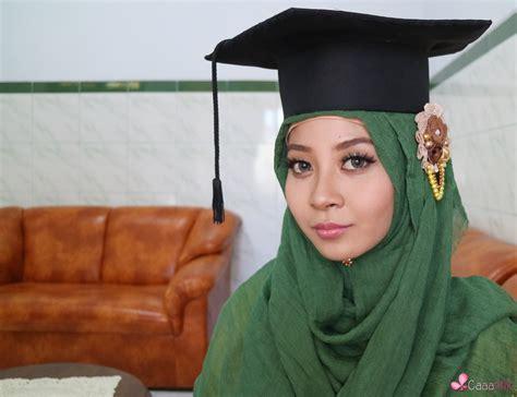 tutorial belajar make up untuk acara wisuda belajar makeup wisuda dan tutorial hijab menutup dada
