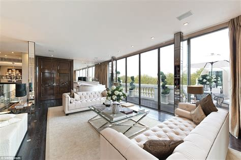 appartamenti londra affitto mensile penthouse with cinema and six garden terraces yours