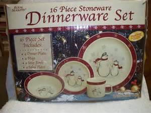 Import Home Decor 16 piece stoneware dinnerware set snowman design royal