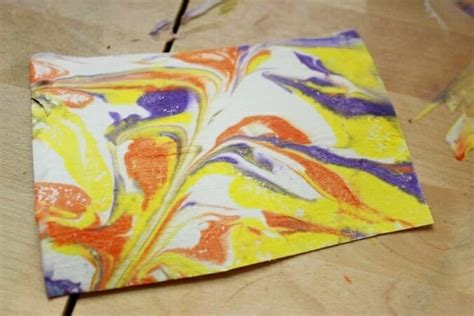 Marbled Paper Craft - marbling with tips for