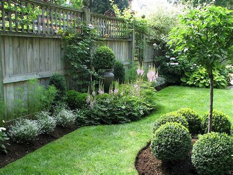 Small Backyard Landscaping Ideas For Privacy 50 Backyard Privacy Fence Landscaping Ideas On A Budget Backyard Privacy Privacy Fences And