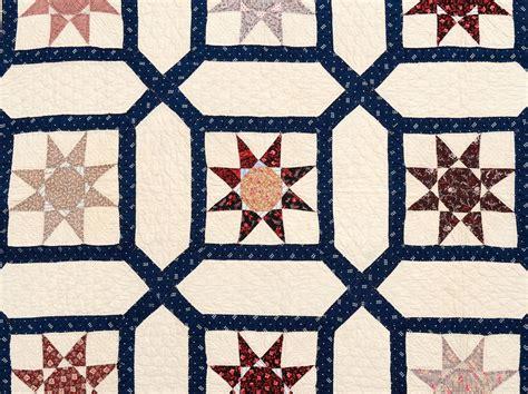 Garden Maze Quilt Block Pattern by In Garden Maze Quilt At 1stdibs