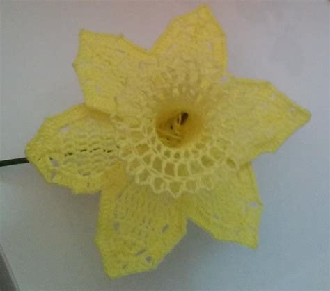 pattern crochet daffodil daffodil crochet flower allfreecrochet com