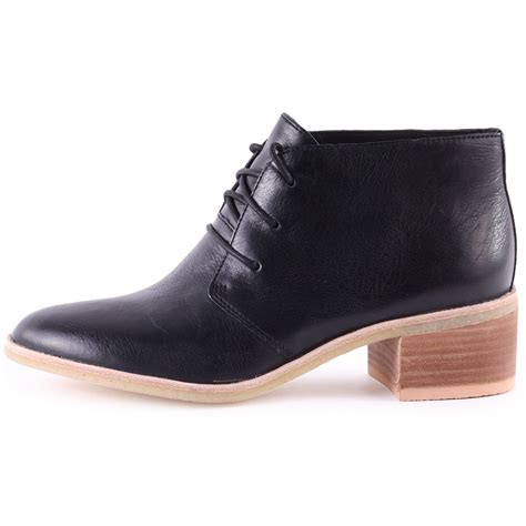 clarks originals phenia carnaby womens ankle boots in