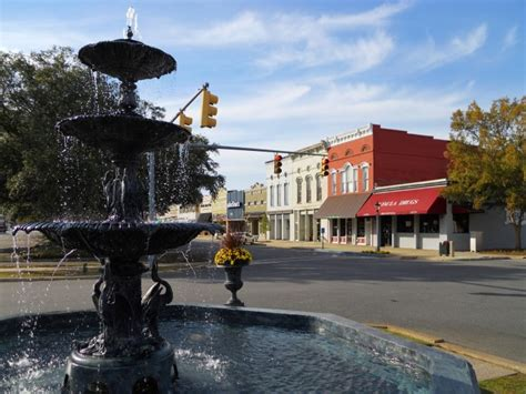 quaint city the 10 most charming and quaint towns in alabama