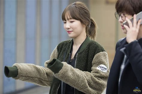 Taeyeon Hairstyle by Taeyeon Just Got The Same Hairstyle As When She Debuted 8