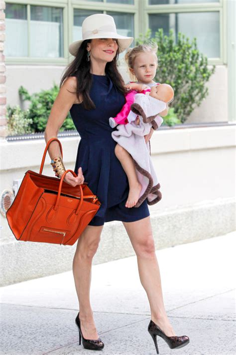 bethenny frankel tips to make decor look expensive on a photo of the day bethenny frankel high fashion style mom