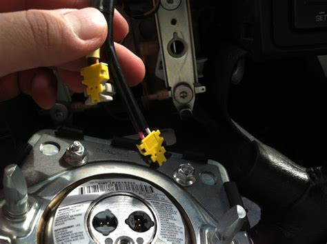 airbag deployment 2006 saturn ion on board diagnostic system service manual how to replace airbag 2003 saturn vue drivers side air bag light on my 2007