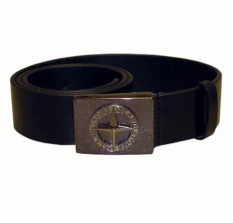 island embossed buckle black leather belt