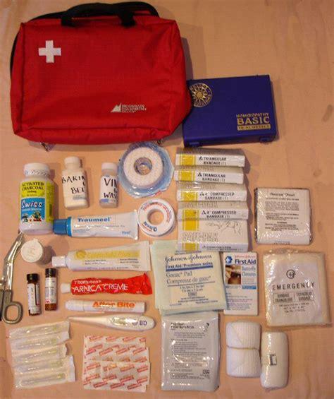 Obat Obatan P3k 9 daftar perlengkapan haji umroh yang dibawa wanita pria 2015