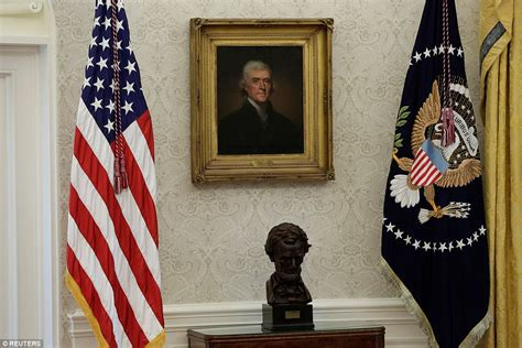 Presidential Desk Flag Set Oates New Photos Reveal Completed White House Renovations Daily Mail