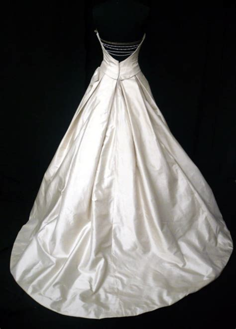 Wedding Gown Background by Wedding Gowns Images Wedding Gown Wallpaper And Background