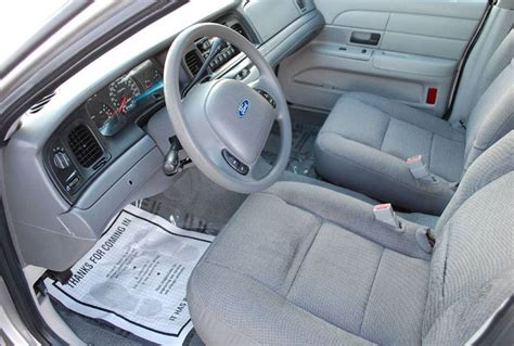 2004 Crown Interior by 2004 Ford Crown Pictures Cargurus