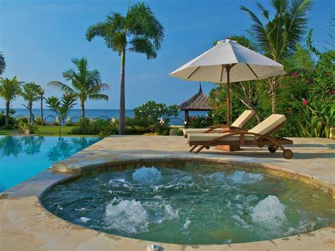 lovina holiday villa luxury beach villa  north bali