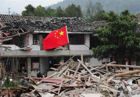 earthquake in china china earthquake rescuers save baby ny daily news