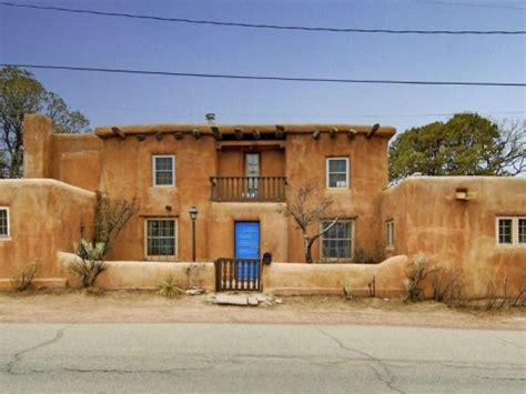 southwestern houses saddle up with these southwestern homes