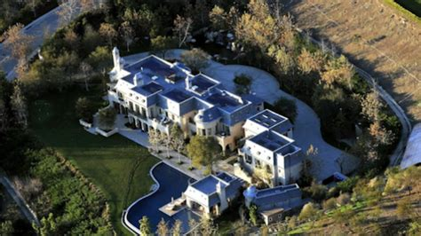 tom brady s new house literally has a moat