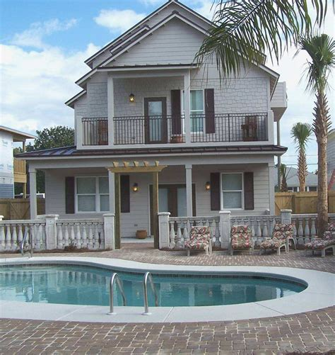vacation homes for rent in destin florida small