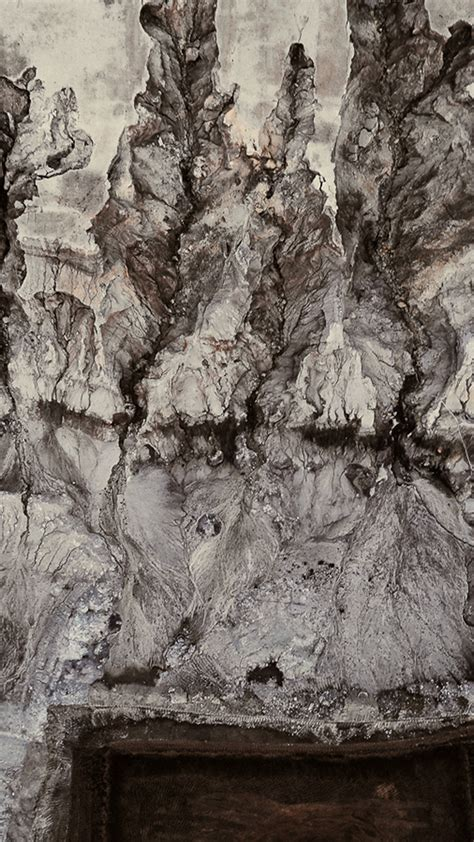 background pattern mountain iphone x