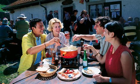 etiquette in switzerland: tips and pitfalls the local