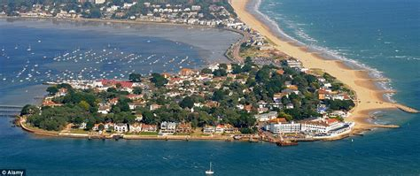 Five Bedroom Houses by Sandbanks Bungalow Bought For 163 1 000 Now Luxury Retreat