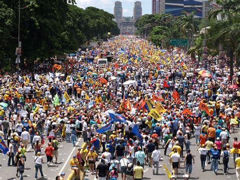 imagenes de venezuela heroica una quot caracas heroica quot acompa 241 a a capriles quot desbordaremos