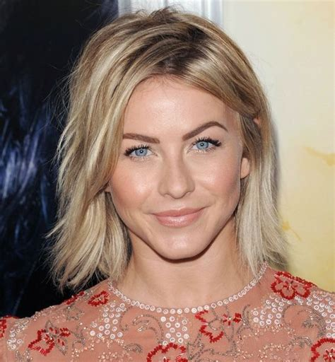 straight lob with middle part a classic straight lob like julianne hough s turns