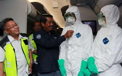 antisipasi penularan virus corona kru pesawat penjemput