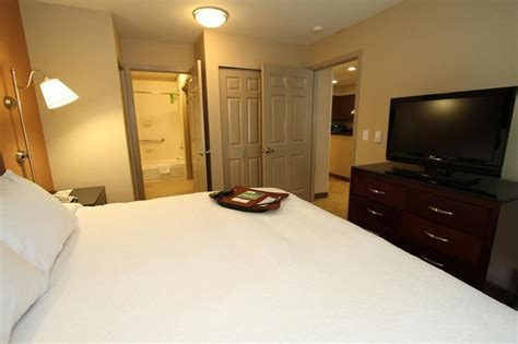 seattle hotel suites 2 bedrooms book hton inn suites seattle downtown seattle hotel