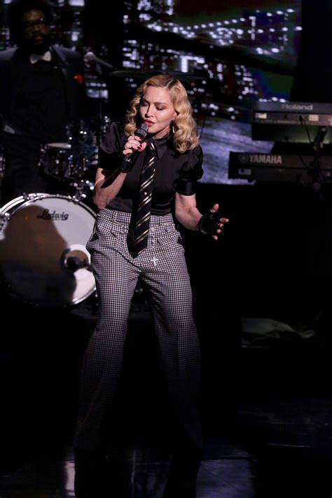 Madonna I Underpants Tonight On The Late Show With David Letterman Mound by Update Hd Added Madonna Performs Borderline On