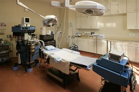 surgery room wow doctors remove 40kg tumour from s ovaries photo the trent