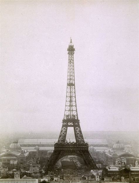 home of the eifell tower eiffel tower old