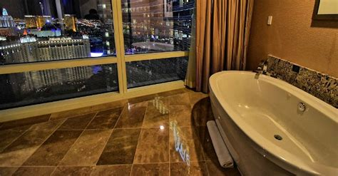 las vegas hotel with tub in room nevada 174 suites excellent vacations