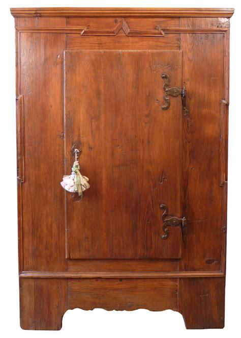 armadi rustici antico armadio rustico in abete antichit 224 missaglia