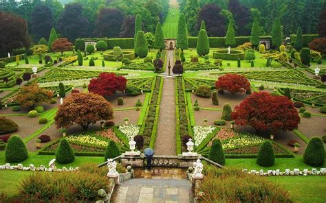 gardens to visit in perthshire great british gardens