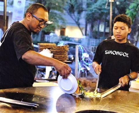 Wajan Besar Bandung wow langka nih kuliner nasi goreng simongol jadi viral