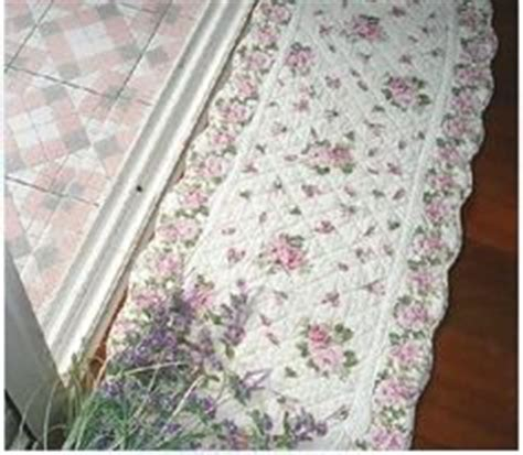 tappeti country chic 1000 ideas about shabby chic rug on rugs