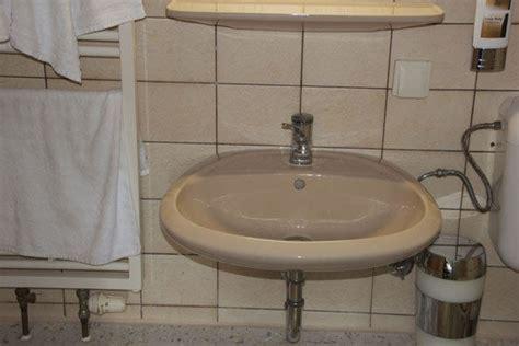 badezimmer 80er jahre quot bad 80er jahre keramik quot comfort hotel aquarius in