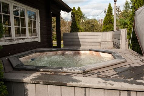 Log Cabins In York With Tubs by Logcabin Cuomo S Cove Luxurious Suites