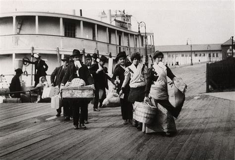 American Immigration were new immigrants discriminated against in late 1800s