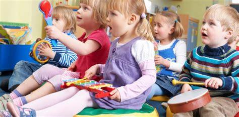 imagenes de niños jugando con instrumentos musicales aprender m 250 sica mejora las habilidades cognitivas de los ni 241 os