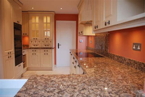 giallo fiorito granite with oak cabinets kitchens amwellkitchens co uk
