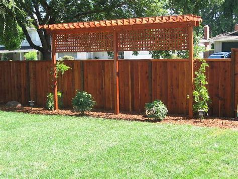 backyard privacy fences easy and cheap backyard privacy fence ideas 5 wholiving