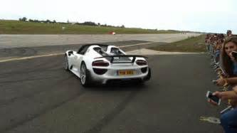porsche 918 crash paul bailey crashes 163 750k porsche spyder supercar into