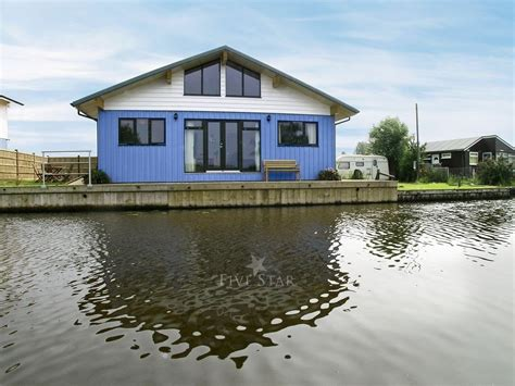 ferry boat yard martham ferry boat yard ferry cottage 5 star self