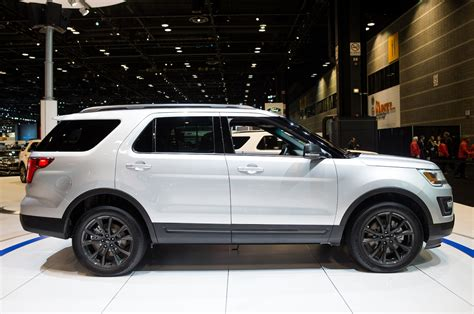 2017 ford explorer 2017 ford explorer xlt sport appearance package to bow in