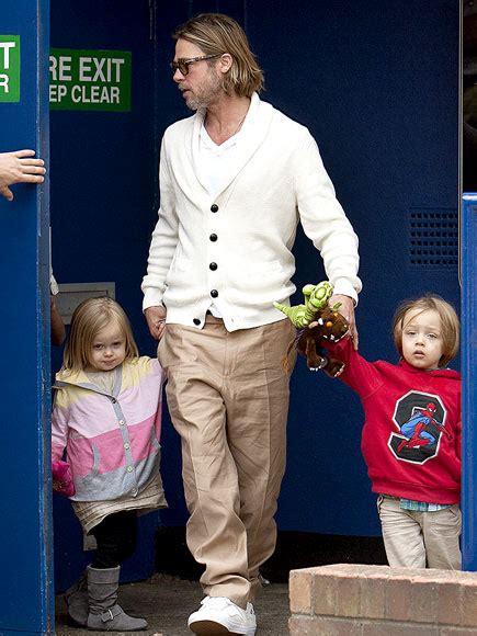 Stylish Who Got It Right Brad Pitt Ludacris Ben Affleck by Fashion Disasters Brad Pitt Goes To The Thegloss